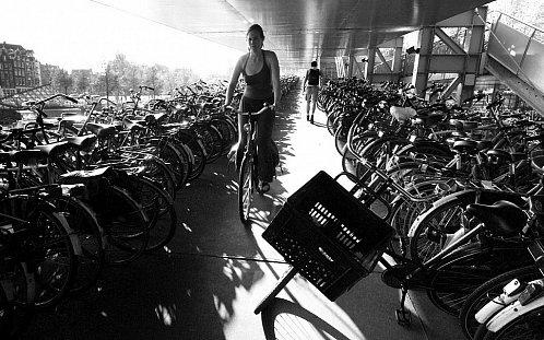 Podivné existence dopravující se denně na kole