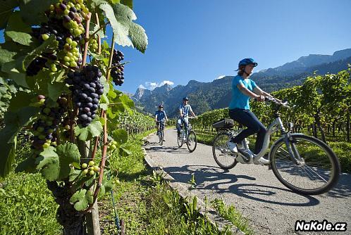 """Švýcarskem podél Rýna: """"Grand Canyon"""" i rýnské vinice v cyklistickém balení"""