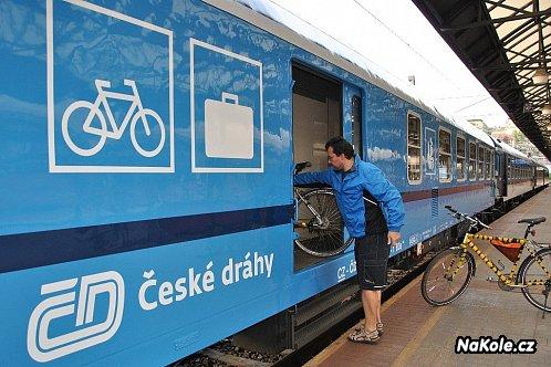Cyklisté si stěžují na České dráhy, vlaky jezdí ale stále více