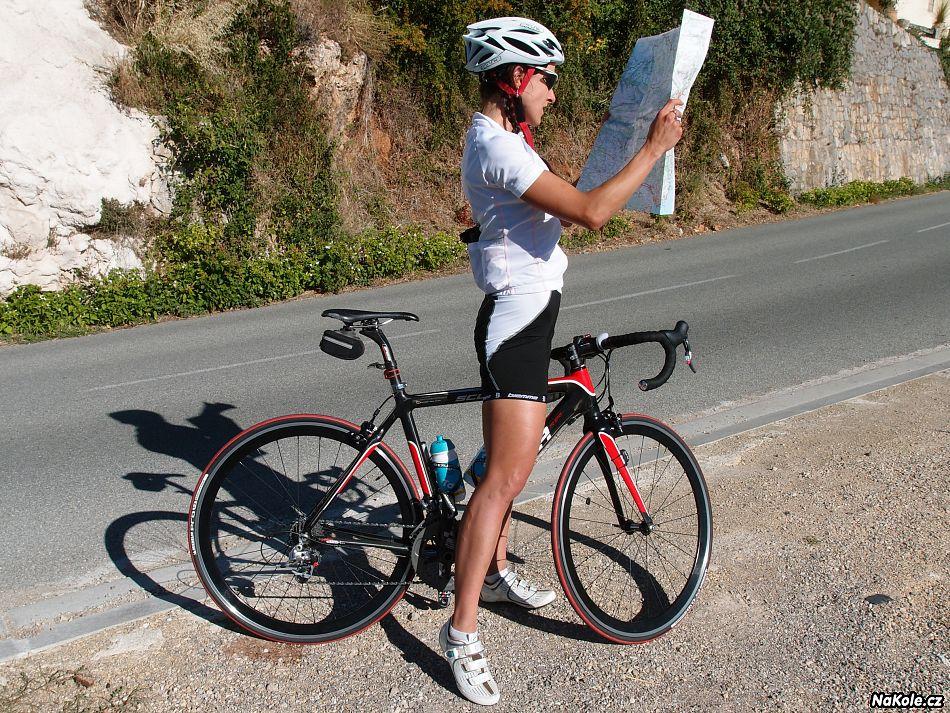 Prosím o pomoc - bylo mi odcizeno silniční kolo - odměna 10.000 Kč