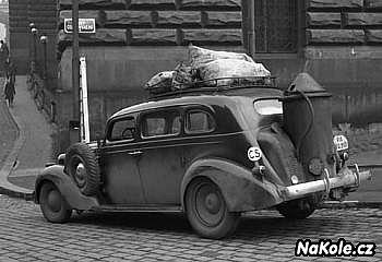 Auto na dřevoplyn